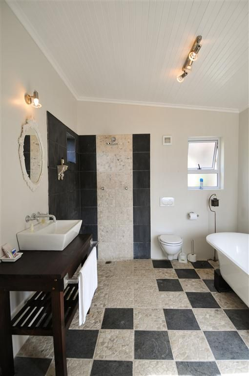 Self catering accommodation, Simon's Town, Cape Town  Bedroom 3 Bathroom   http://www.capepointroute.co.za/moreinfoAccommodation.php?aID=48
