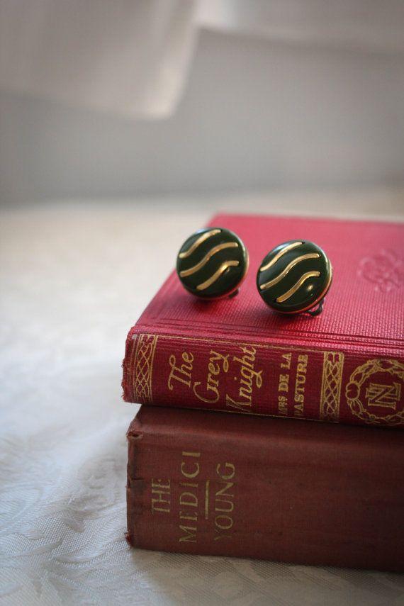 Italian Vintage Button Earrings/ Clip On by BelmondoVintage, €7.00