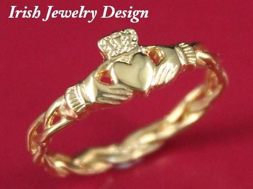 10K gold #Claddagh ring, ladies #claddaghring on celtic rope band.