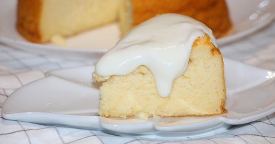 Pastel de queso y yogur con crema de mascarpone al limón