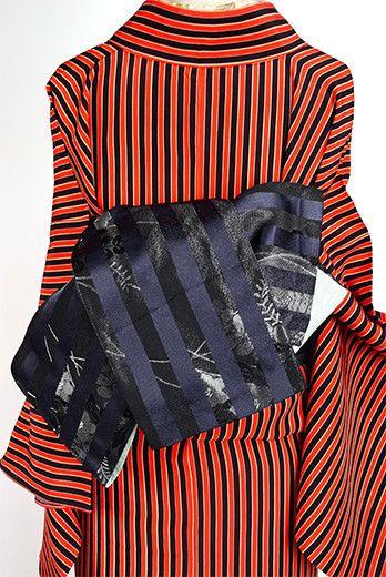 ブルーブラック花野ボーダーモダンな半幅帯 - アンティーク着物・リサイクル着物のオンラインショップ 姉妹屋
