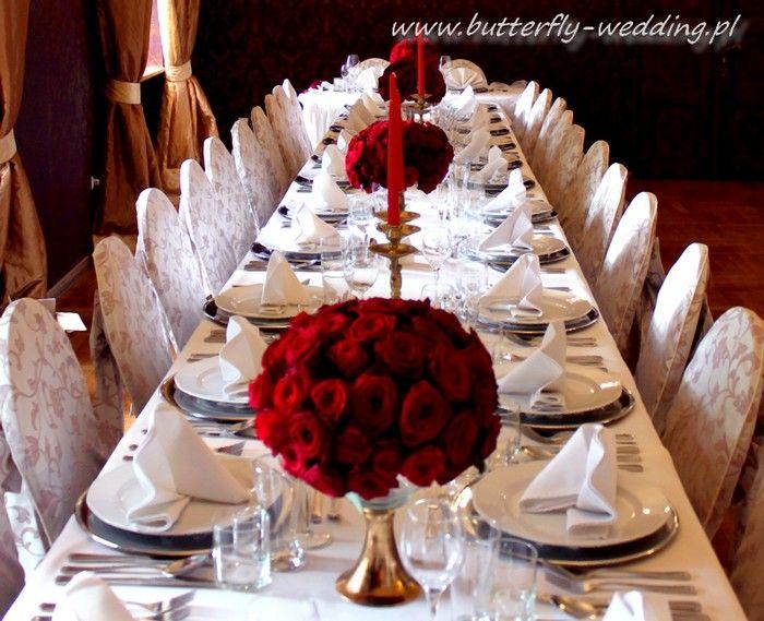 dekoracja z czerwonych róż