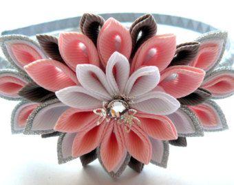 Diadema de flores de tela Kanzashi rosa. Diadema de la corona