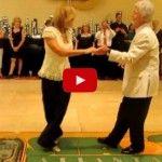 ¡Maravillosa pareja bailando juntos durante 33 años!