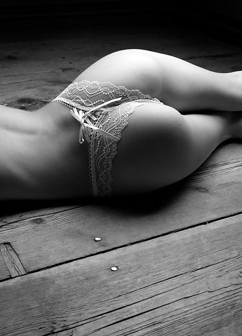 Love the lighting and the tight crop; makes for a lovely image of female form.
