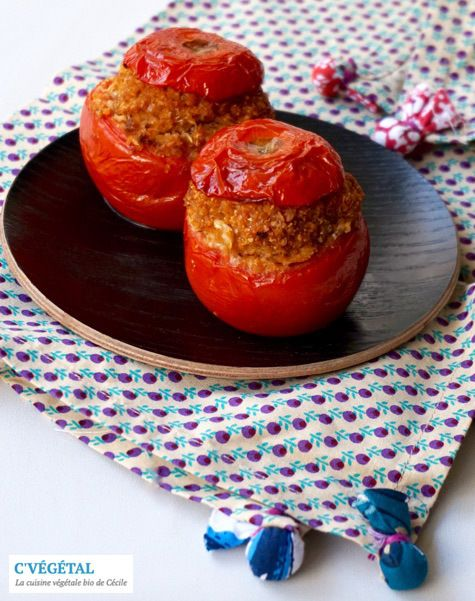 "Tomates farcies au haché végétal maison // Stuffed tomatoes with homemade vegan ground ""meat"" - http://cvegetal.com"