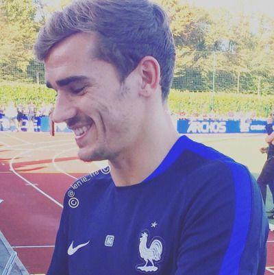 Antoine Grizi cute smile