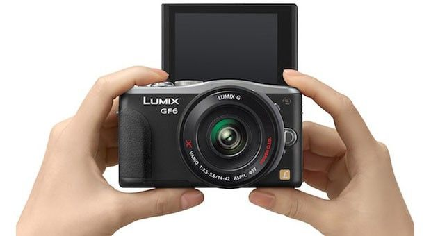 Top 5 Best Vlogging Camera With Flip Screen [Reviews of 2018]