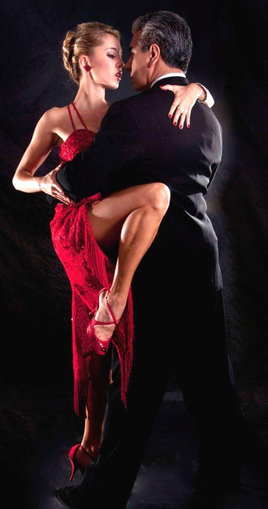 Stunning Ballroom Dancing - Argentine Tango