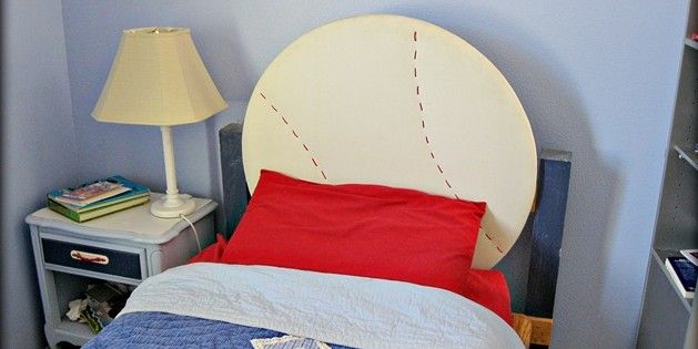 Can't find the perfect headboard for your favorite sports fan? How about making your own Baseball Headboard?