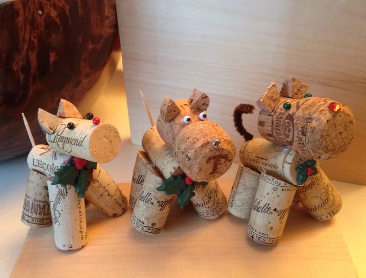 Dogs and cat cork ornaments or decorations. Use a hot glue gun and thumb tacks or stick pins. Add a ribbon to make as an ornament. Enjoy!