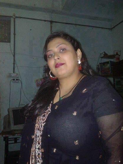 Beautiful Sexy Fat Pakistani Aunties Hot Photos  Desi -3386