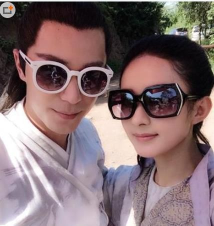 Don't even with me and this BTS cuteness!!! Wallace Huo and Zanilia on the set of Journey of Flower aka 花千骨