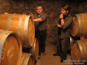Приорат - винные туры из Барселоны. Еще каких-то тридцать лет назад об этом винодельческом регионе ничего не слышали даже специалисты-виноделы. История Приората полна взлетов и падений, первые вина в этих краях начали изготавливать еще монахи-картезианцы в 12 веке. Уникальные природные условия позволили производить здесь качественное вино до конца 19 века, когда эпидемия виноградной тли филоксеры нанесла непоправимый урон местному виноделию, а вместе с ним и экономике области в целом...