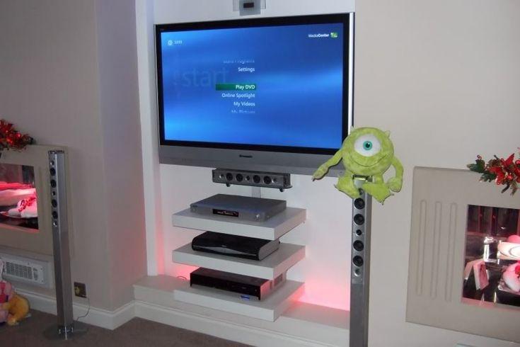 best 25 wooden floating shelves ideas only on pinterest. Black Bedroom Furniture Sets. Home Design Ideas