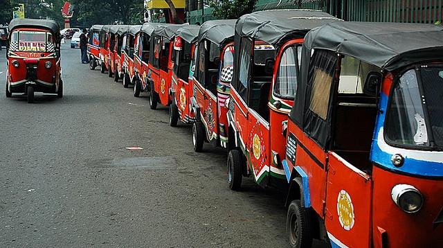 Long line of bajaj, Jakarta by Tempo Dulu