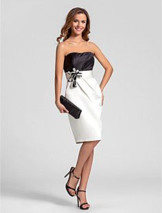 bainha / coluna strapless do joelho-comprimento vestido de cetim da dama de honra (808.864)