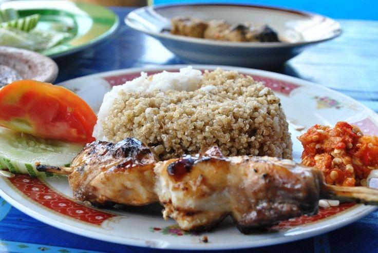 Nasi Tiwul - Restoran Sari Laut Bu Gandos (Jalan Pacitan- Solo Km.5; arah pantai Teleng Ria)