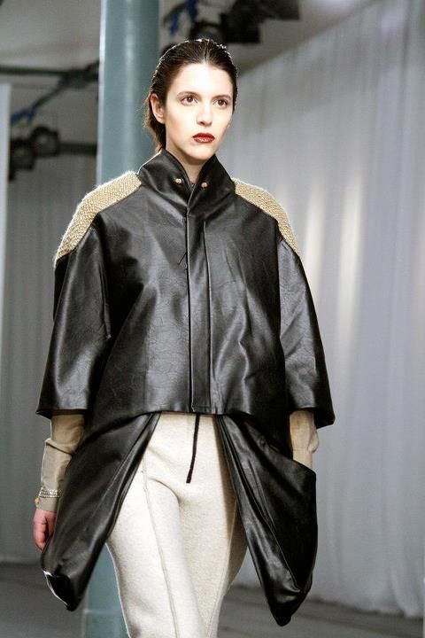 "http://www.fashionfreax.net/outfit/125292/Portugal-Fashion-Carla-PontesPortugal Fashion . Fall Winter 2012/2013Bloom - Concurso de Design""element"" by Carla Pontes  model:Estefânia [Just Models]"