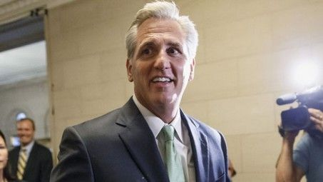 California Rep. Kevin McCarthy selected as new House majority leader - http://conservativeread.com/california-rep-kevin-mccarthy-selected-as-new-house-majority-leader/