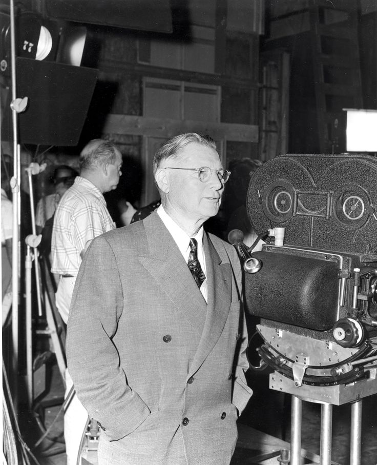 Erle Stanley Gardner on the set of the Perry Mason TV show.  From the Jim Davidson Collection.