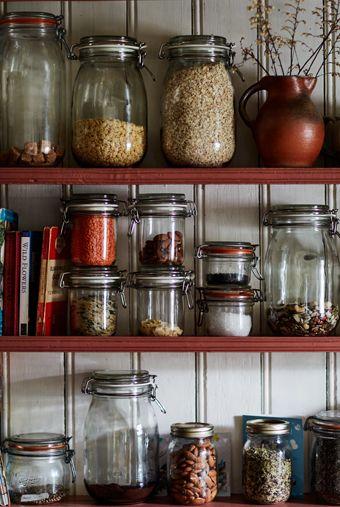 Guarda los alimentos en tarros de vidrio