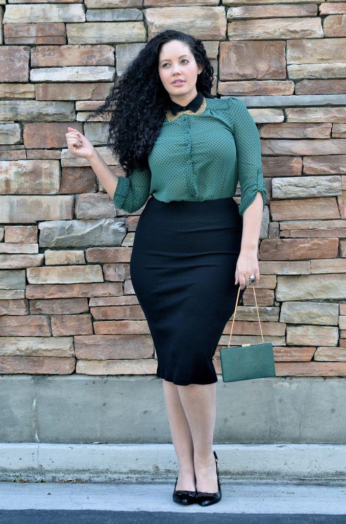 Nenas, hoy quiero que vean el estilo de Tanesha Awasthi, otra guapísima chica con curvas que comparte en su blog su amor por la moda. Me gusta mucho su est