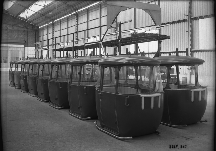 Foire internationale de Lyon : cabines de téléphérique.