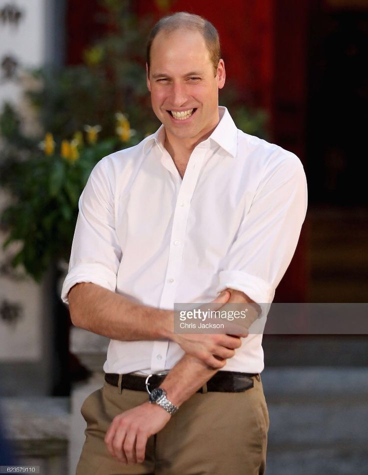 "Chris Jackson on Twitter: ""Great response in Hanoi to the Duke of Cambridge's visit @GettyImages @tusk_org"