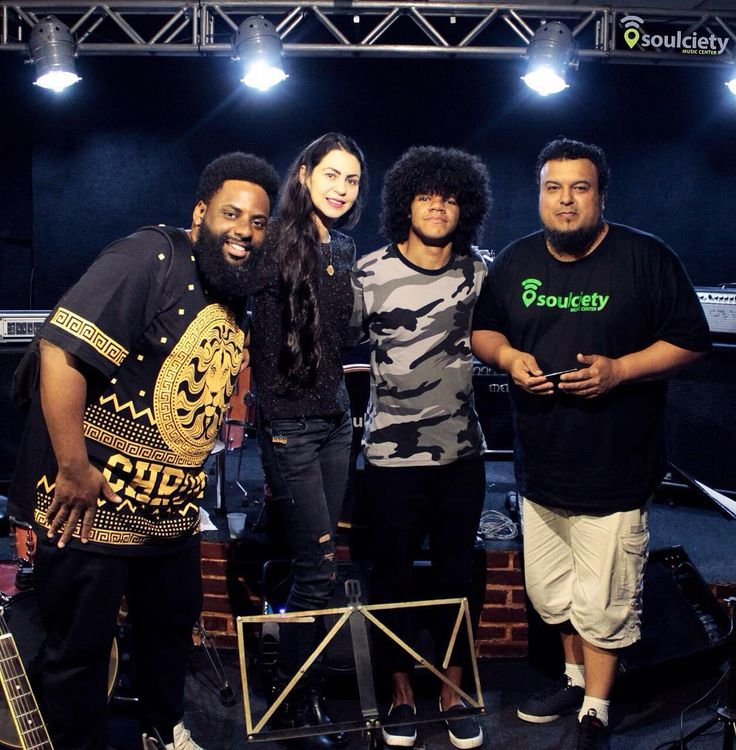 @lleoccarvalho @insidetheroom_ @katiasoaneoficial  Ensaio Acustico com a cantora Katia Soane juntamente com estas feras aí!!! #soulcietyemmovimento
