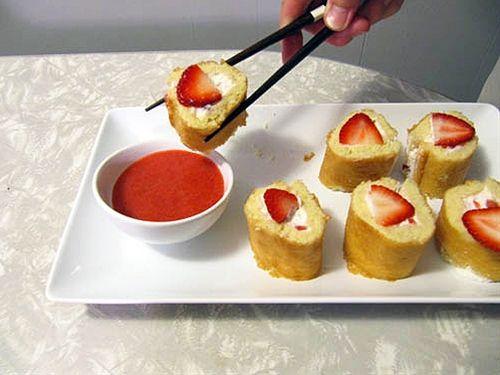Strawberry Shortcake Sushi + Strawberry Coulis
