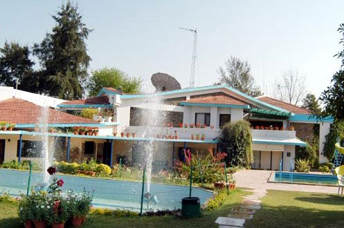 resort near delhi ncr is a website where one can find all the booking details about hotels and resorts on delhi jaipur highway and hill stations.
