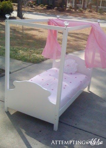 Aloha!   So today's plans are for a toddler canopy bed! How adorable is this:        Yep, it's a toddler canopy bed that matches the little ...