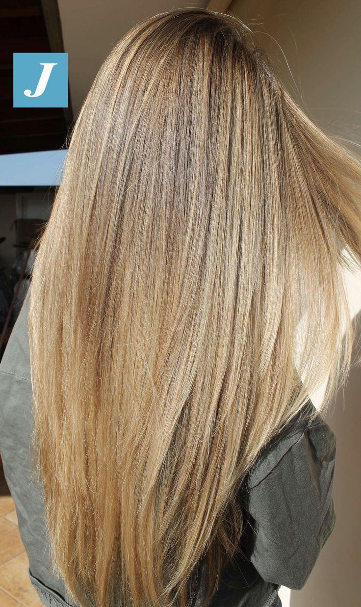 Non semplici capelli biondi ma la perfezione del Degradé Joelle. #cdj #degradejoelle #tagliopuntearia #degradé #igers #musthave #hair #hairstyle #haircolour #longhair #ootd #hairfashion #madeinitaly #wellastudionyc