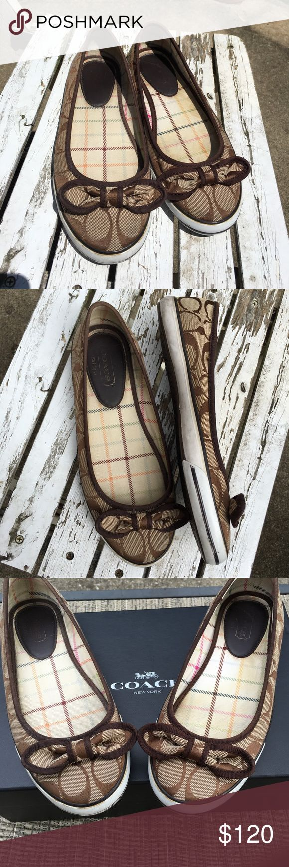 Coach signature in brown, bow, white soles, flat Gorgeous fun, flat signature in brown, tan- ties bow with white soles Coach Shoes Flats & Loafers