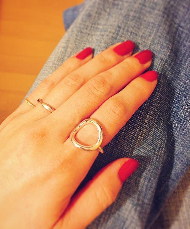 人差し指にしっくりくる指輪がやっっっと見つかった💍✨ #指輪#philippeaudibert#beams#クリスマスプレゼント#セルフネイル#赤ネイル#tiffany#agete#お気に入り#ありがとう