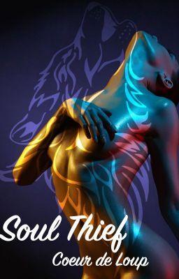 #wattpad #fantastique Le monde tel que l'homme lambda connaît existe grâce à une organisation qui fait loi. Les êtres surnaturels -vampires, garous, fae, démons- côtoient les humains de près, et dès fois, de trop près. C'est pour cela que des êtres dotés de pouvoirs particuliers règnent sur le monde surnaturel. Ils surv...