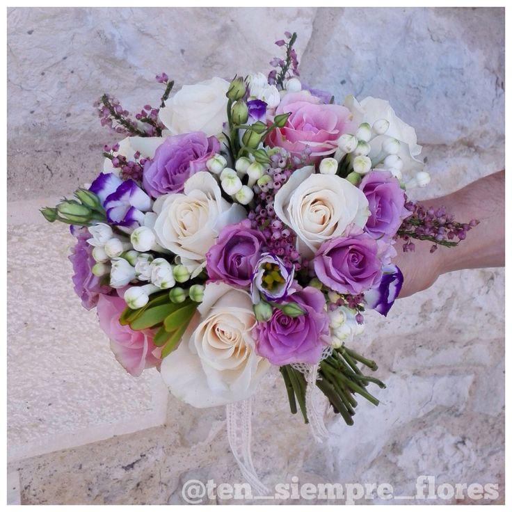 Ramo de novia con rosas en tonos lila y champan