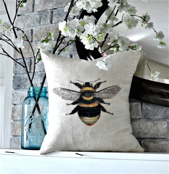 Homemade Pillow with Bee - Reader Featured Project on TheGraphicsFairy.com http://thegraphicsfairy.com/homemade-pillow-with-bee-reader-featured-project/