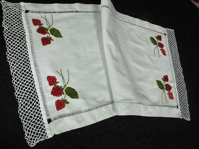 Vintage 32 Table Runner Or Dresser Scarf