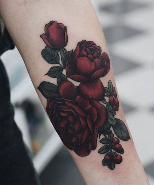 New Eye Catching Red Rose Tattoo Design