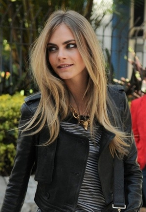 Cara Delevingne's Hair Is Straightened With The Ends Flipped Out. Gorgeous!