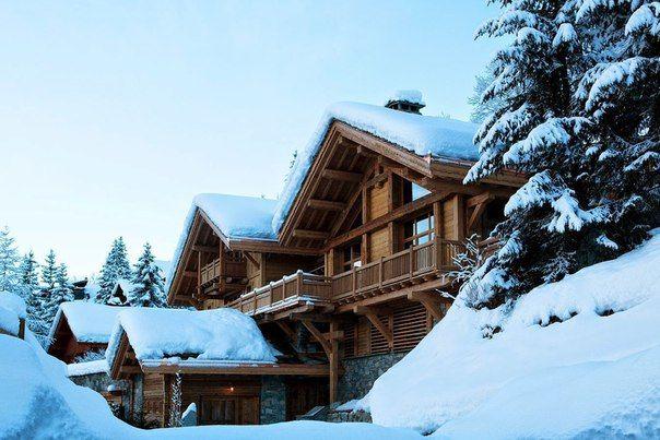 Уютный дом в лесу,