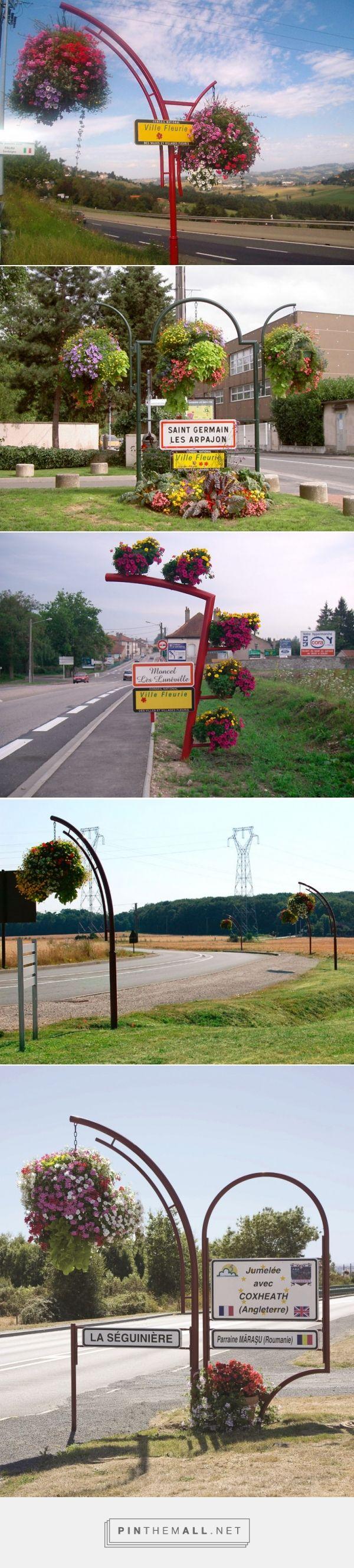 Witaj w naszym mieście! Public welcome signs - small architecture
