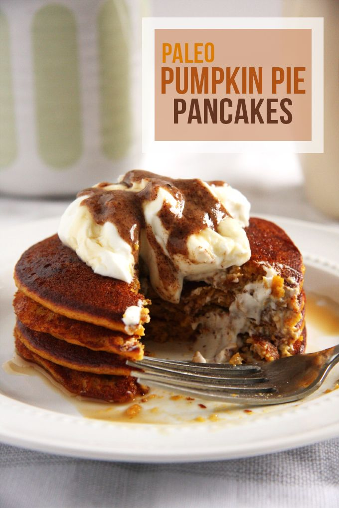 Paleo Pumpkin Pancakes- These pumpkin pancakes taste just like pumpkin pie and come in at only 220 calories per serving- plus they're #glutenfree and #paleo.