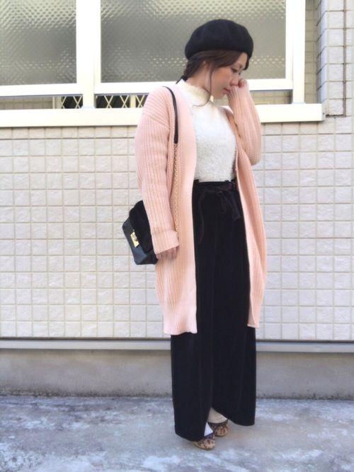 こんにちは😊 今日は全身GU‼️ ちょっぴり春を意識してピンクのカーディガン。 らしくないけど、店
