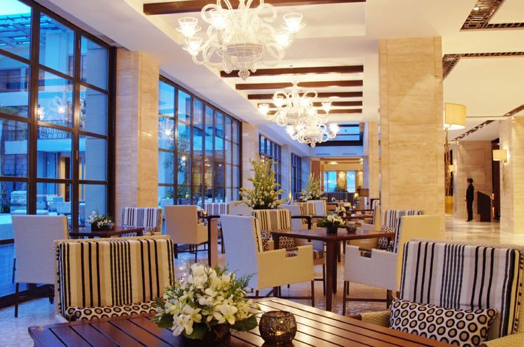 Pool Cafe, 9th Floor Hotel Aryaduta Medan