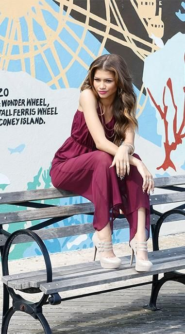 "Twitter / TCAs_2014: Presenter Alert: Catch Mega-Popstar and Actress Zendaya presenting at the ""Teen Choice Awards"" August 10th"