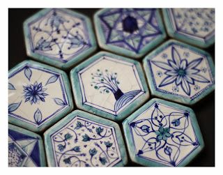 kafle ceramiczne. majolika. / ceramic tile. majolica. /// http://karolina-g.blogspot.com/2013/11/umajolikowane.html