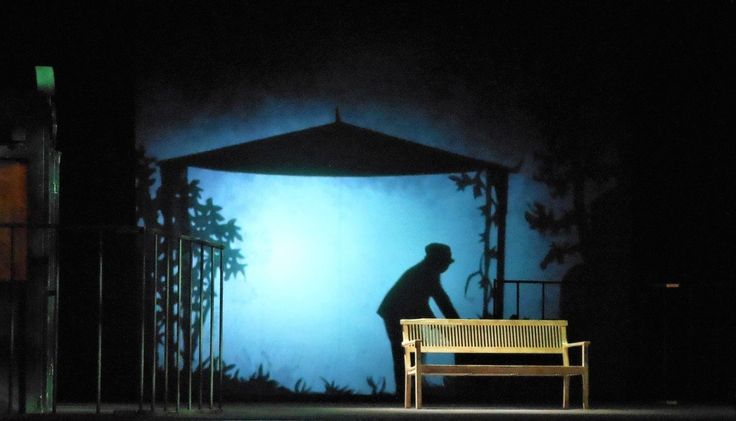 Infinita: Spiel mit der Endlichkeit des Lebens im Theater Duisburg